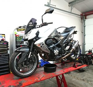 We began the week with the growling Kawasaki Z1000 joining us for a full valve clearance service & detailing.