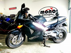 We welcomed a Honda VFR750 to the workshop on Thursday for a set of new tyres.