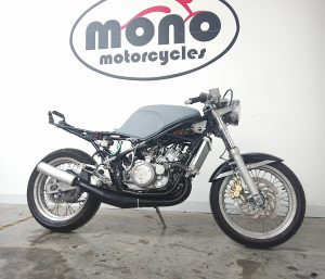 We welcomed a Yamaha RD350 YPVS special to the mono motorcycles workshop this week to find her spark! With an F2 frame, R6 forks, FZR600 swing arm, she was quickly & affectionately known as the 'YPVS Special!'