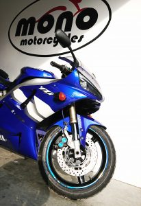 After a month of residing with us at mono motorcycles, the first generation of the iconic Yamaha R1 has completed her rejuvenation journey