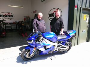 With an MOT now on the R1, she is well & truly ready to be re-united with her eager owner; a man who understands & respects the iconic First Gen Yamaha R1 for what she is & her performance.