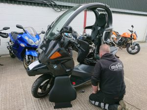 The BMWC1 which we have worked on a few times, arrived on Wednesday afternoon with an intermittent fault, causing the C1 to stall sporadically.